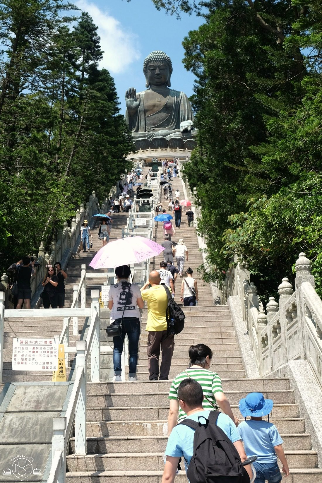 The steps to Tian Tan Buddha