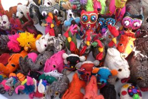 Handmade animal toys created using the wool from the sheep they raise in Chiapas. Human Connections, Bucieras Mexico