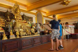 Admiring all the Buddhas
