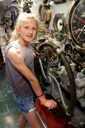 Inside the USS Bowfin submarine