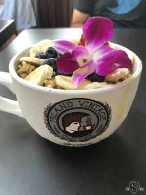 Amazing açai bowl from Island Vintage Coffee